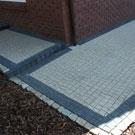 Z  kostki betonowej typu NOVA.